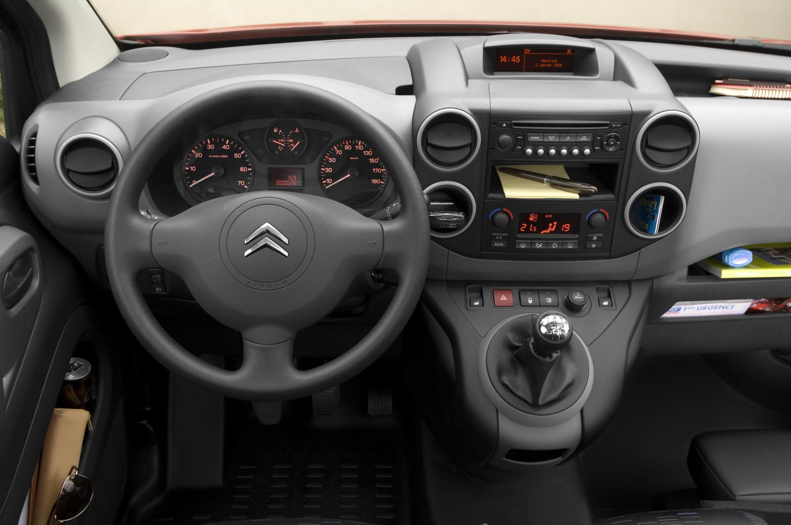 Berlingo 2008 steering wheel