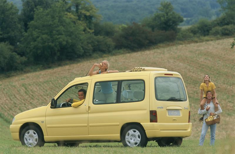 Berlingo Grand Large 1996 concept rear 3/4