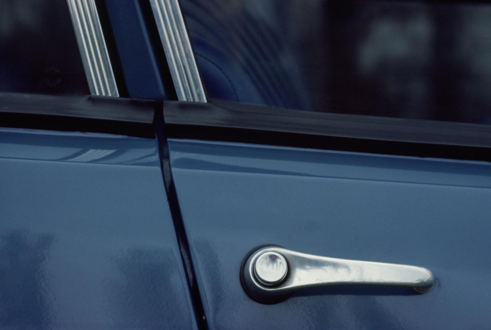 AMI 6 door handle