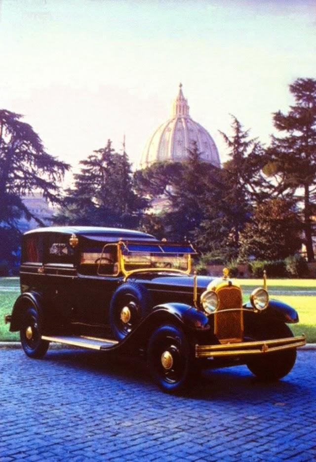 Lictoria Sex 1930 popemobile